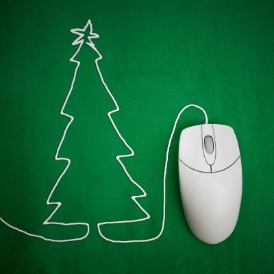Computer mouse chord shaped like a Christmas tree